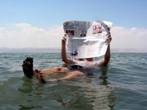 Dead_sea_newspaper_Pete